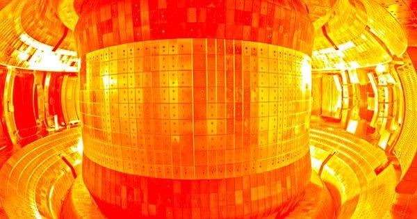 ÇİN'deki Tokamak Reaktörü